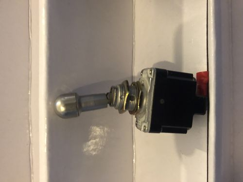 Locking toggle switch (2 Position)