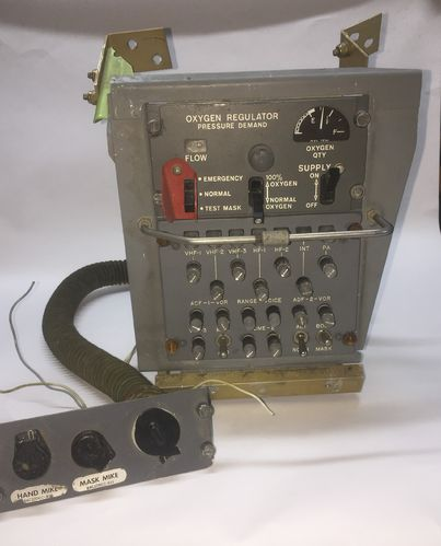 Oxygen Regulator & audio Panel