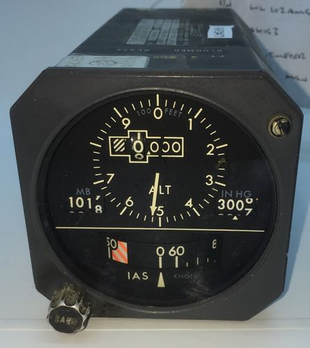 Smiths Boeing 737NG Standby altimeter and air speed gauge.